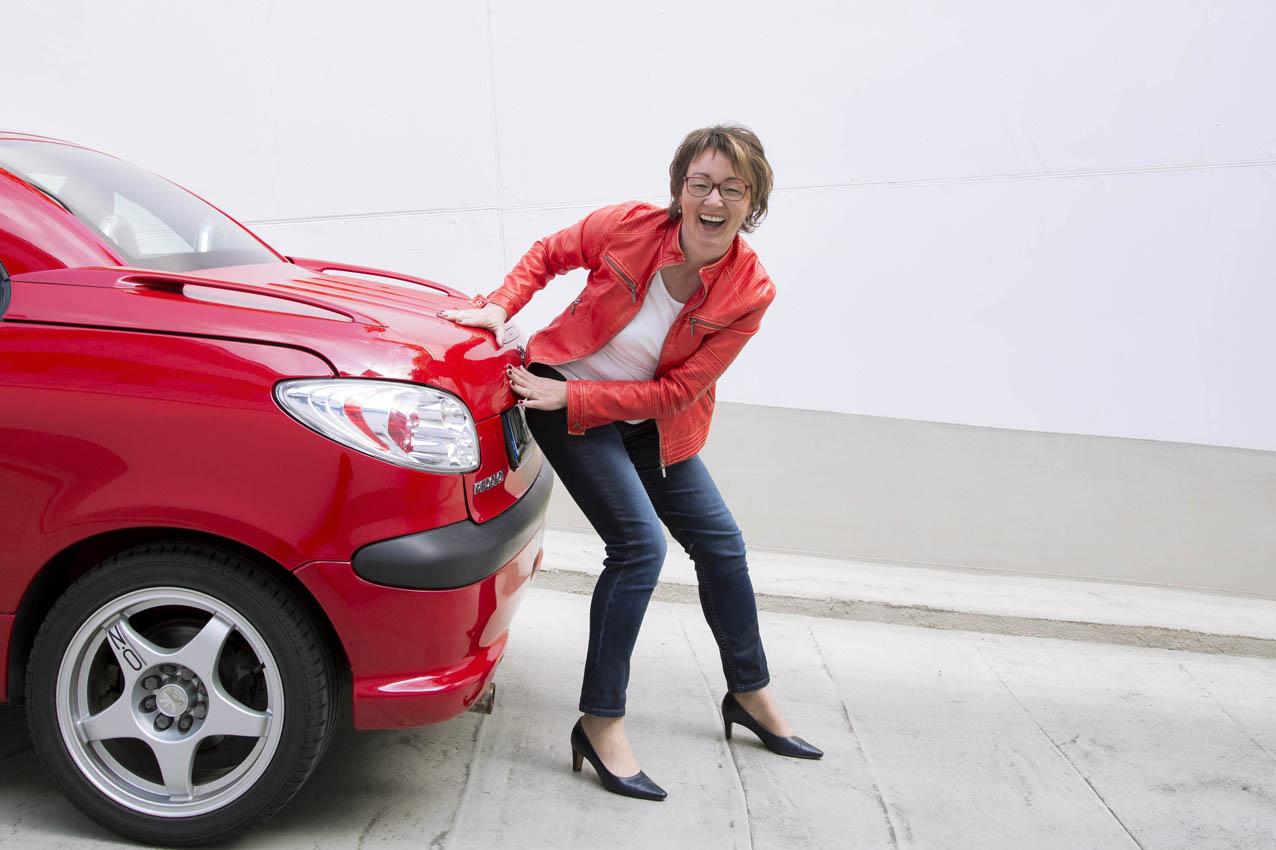 Businessfrau in Rot www.die-emotionsfotografin.de